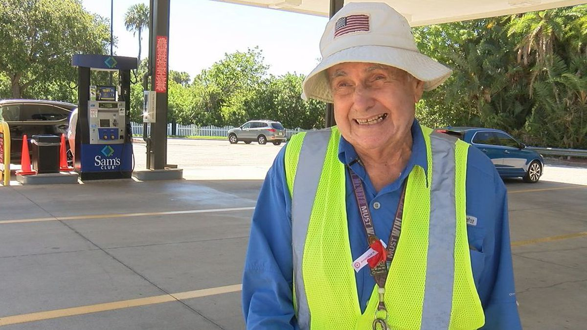 """Salvatore """"Sal"""" Laurie never thought at 91 he'd still be working, but not only does he clock in 40 hours a week, he does it willingly and with a huge smile. (Source: WWSB)"""