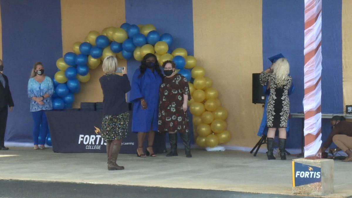 Fortis College celebrates graduates