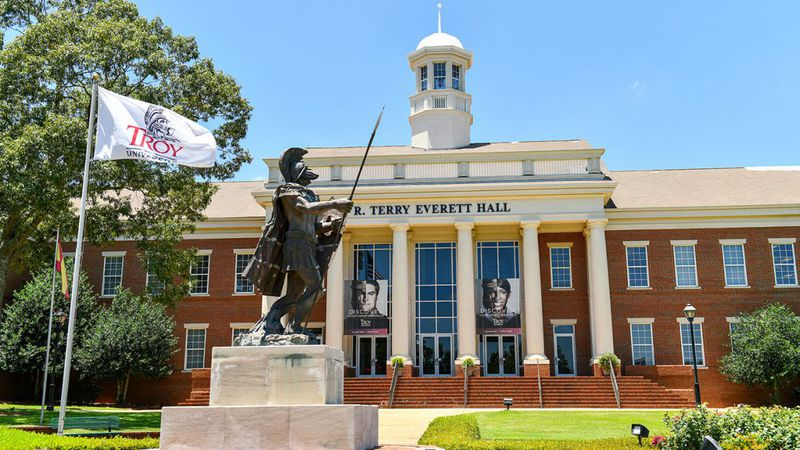 Terry Everett Hall on the Troy University, Dothan campus