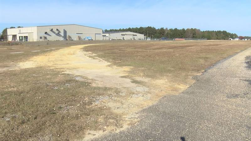 Medical Air Rescue Co. has signed a lease with South Alabama Regional Airport.