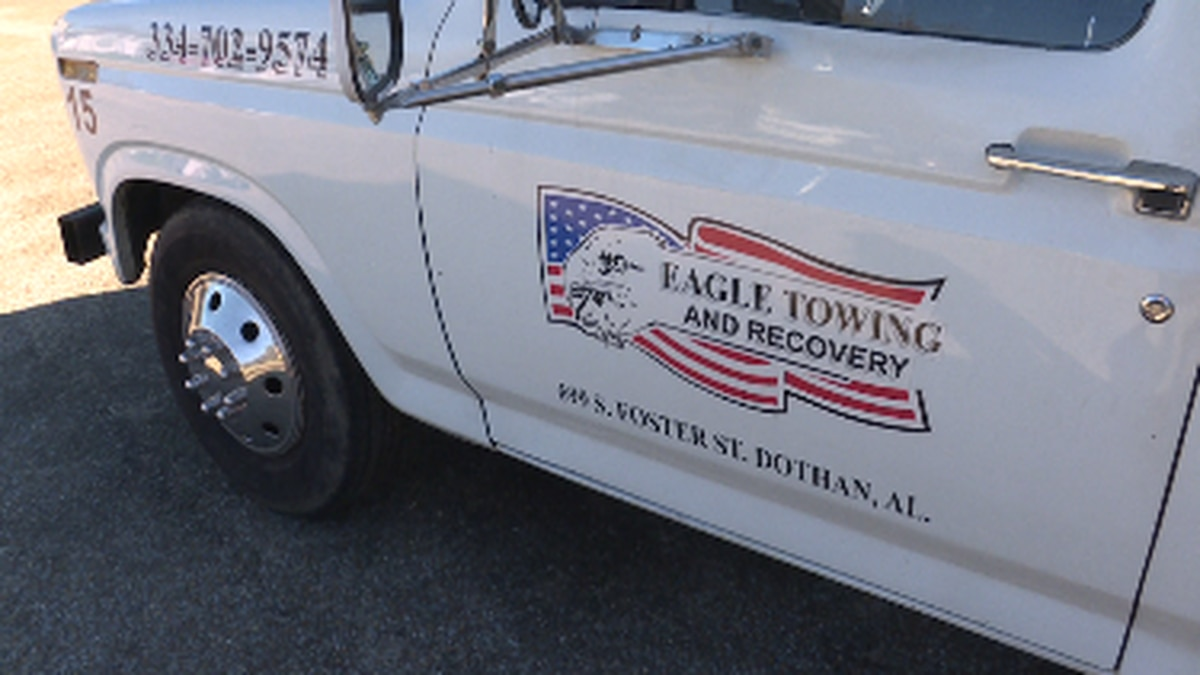 Eagle tow truck ahead of New Year's night and morning
