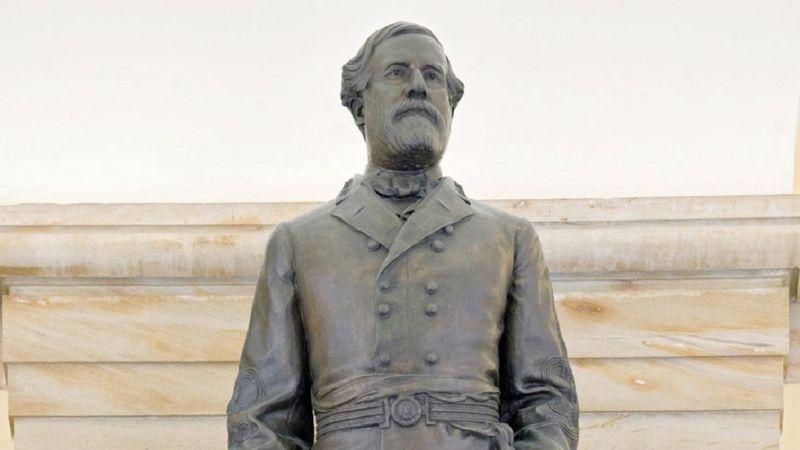 A statue of Confederate Gen. Robert E. Lee.