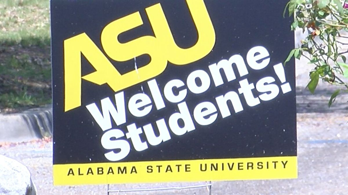 Students return to ASU campus for fall semester.