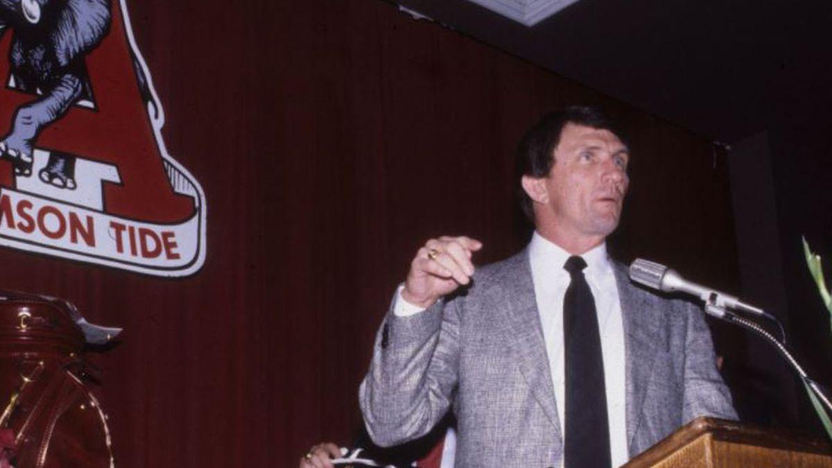 Coach Ray Perkins