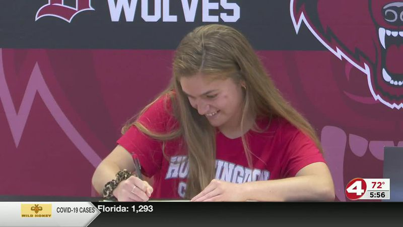 On the dotted line: Kate Smith signs with Huntingdon College