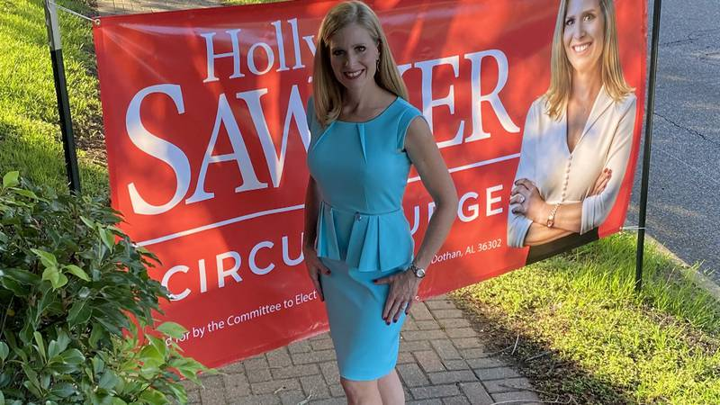 Holly Sawyer announces campaign for 20th Circuit Judge.