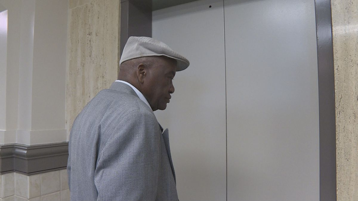 Former Gordon, AL mayor Elbert Melton leaves the Houston County Courthouse following his conviction on absentee voter fraud charges. Photo from January 16, 2018.