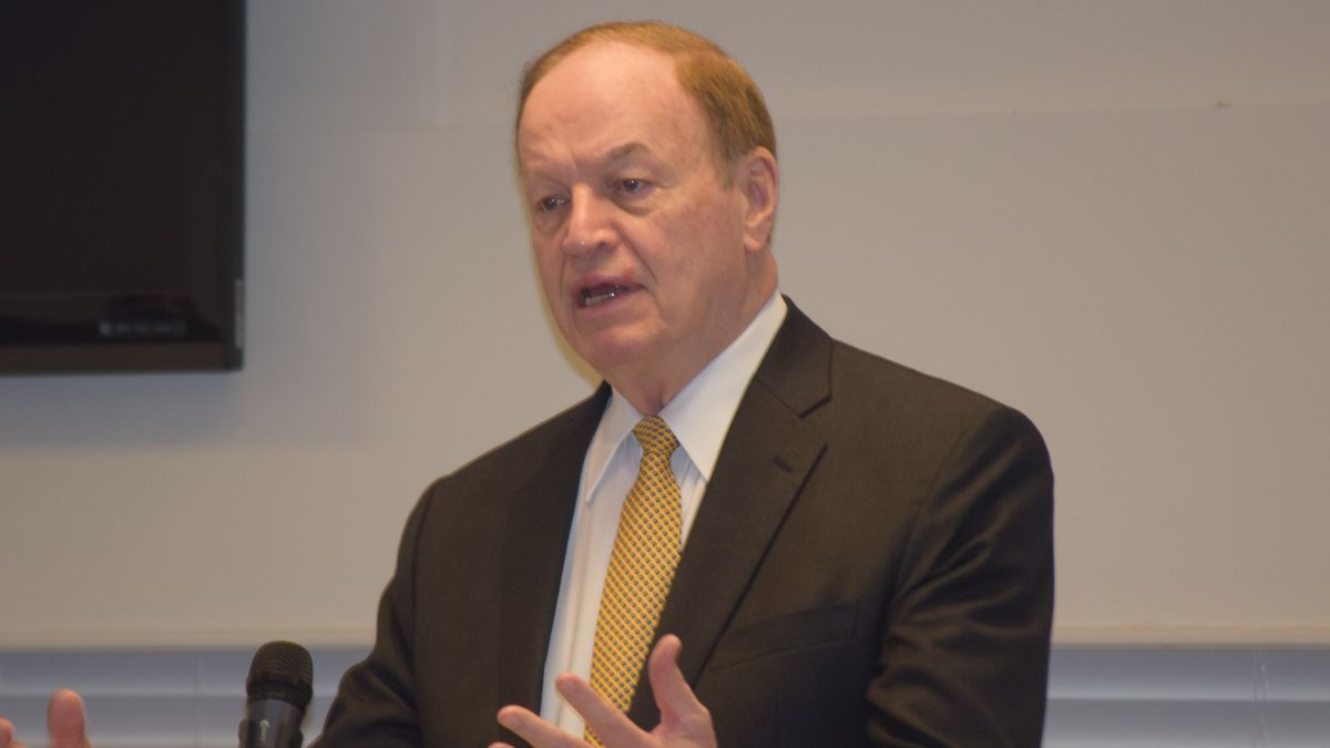 U.S. Senator Richard Shelby addresses the Dothan Area Chamber of Commerce General Membership...