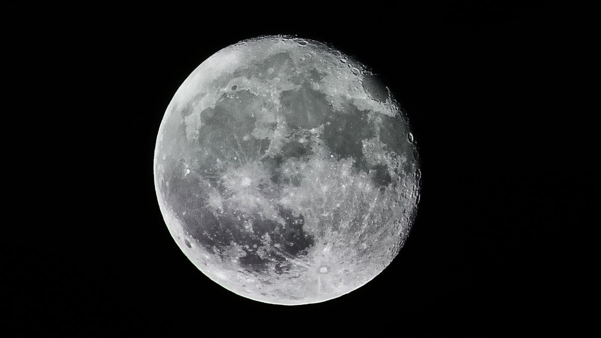 The last time a full moon and Friday the 13th happened at the same time was Oct. 13, 2000. It won't happen again until Aug. 13, 2049. (Source: Juhasz Imre from Pexels)