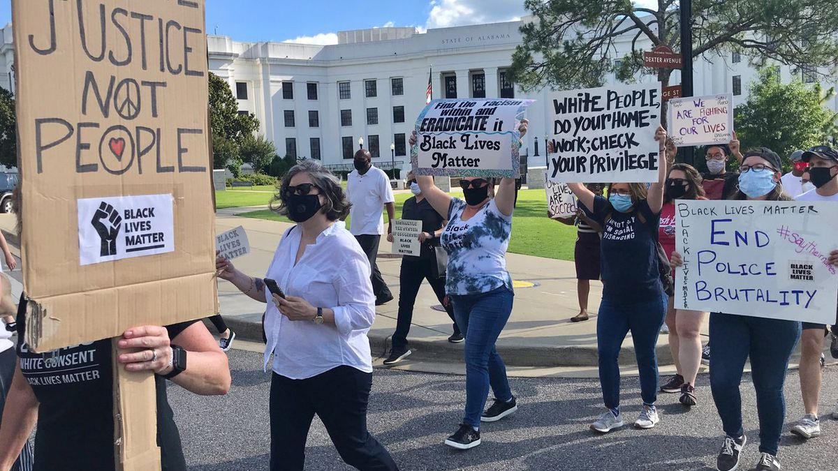 A group of public defenders gathered in Montgomery to show support for Black Lives Matter. (Source: WSFA)