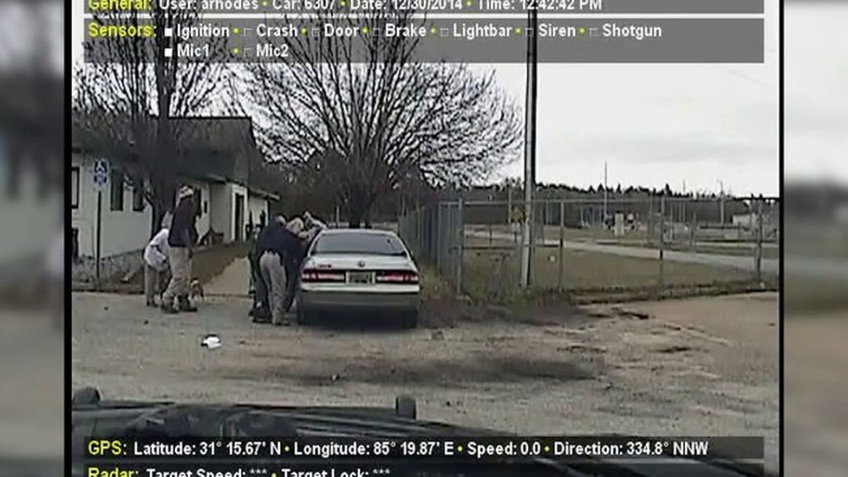 Police dash cam photo of Dothan Animal Shelter that killed a man in December, 2014.