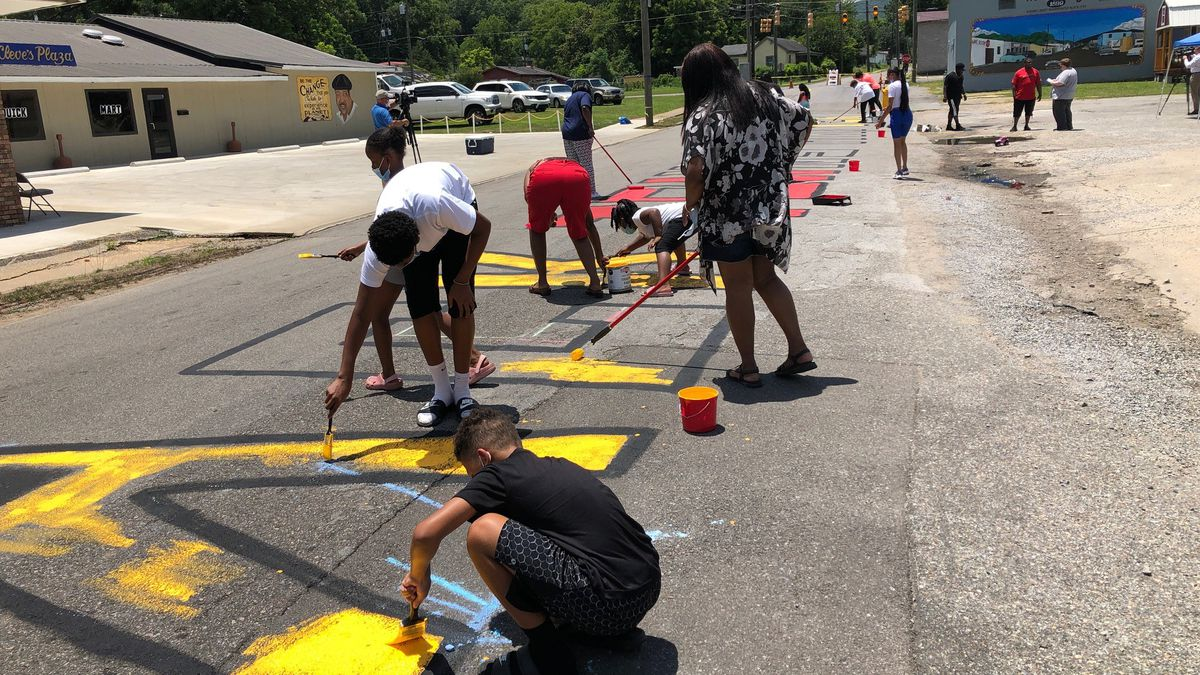 Hobson City residents celebrated Juneteenth with one simple message: Black Towns Matter. (Source: WBRC)