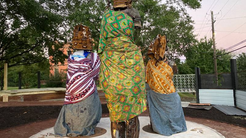 Mothers of Gynecology statue unveiled in Montgomery.