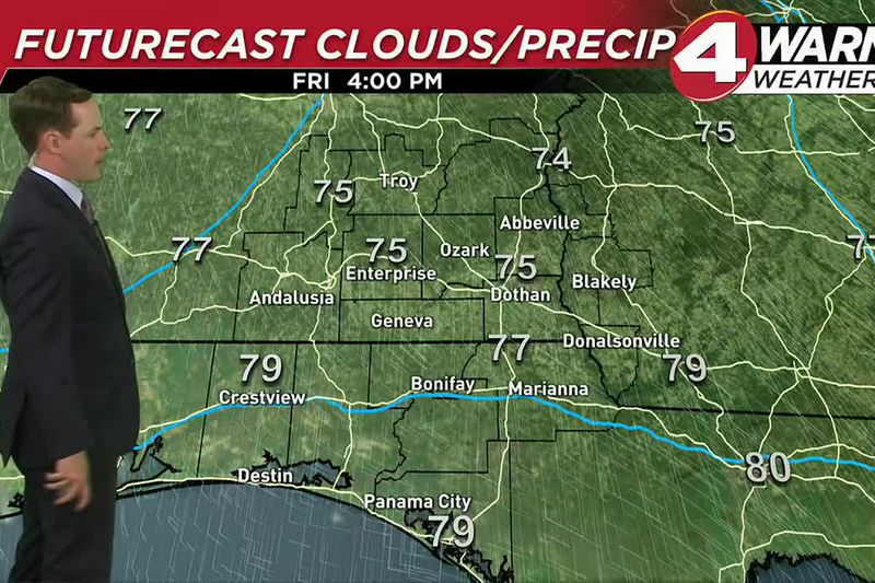 Sunny skies and warm temperatures continue to move into the Wiregrass for our Friday.